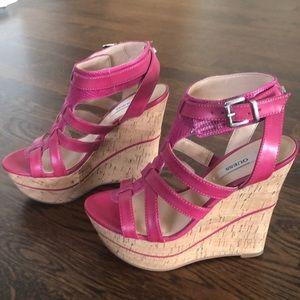 Guess Diane Platform Wedges Pink Faux Leather Sz 6